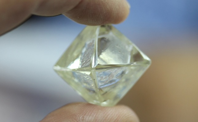 Diamcor Finds 5 36 Carat Gem Quality Green Octahedron Diamond